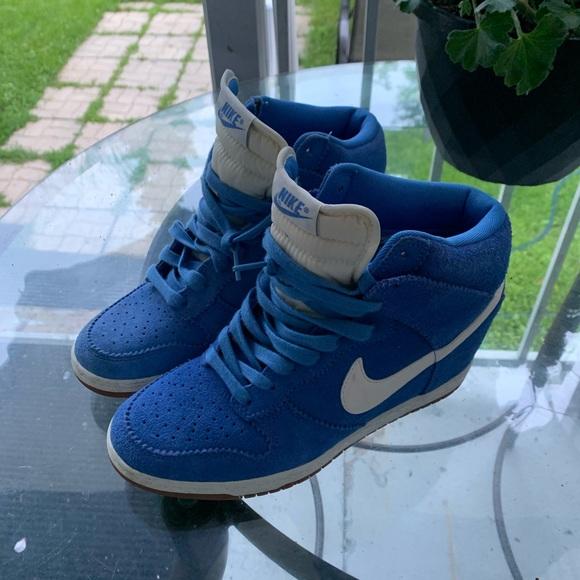 Nike women high dunk shoes